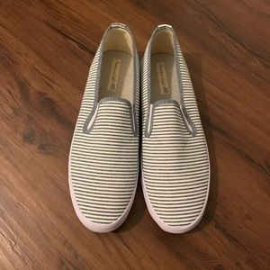 Striped canvas American Eagle shoes